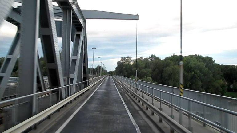 Ideiglenesen lezárják a Bajai Duna-hidat