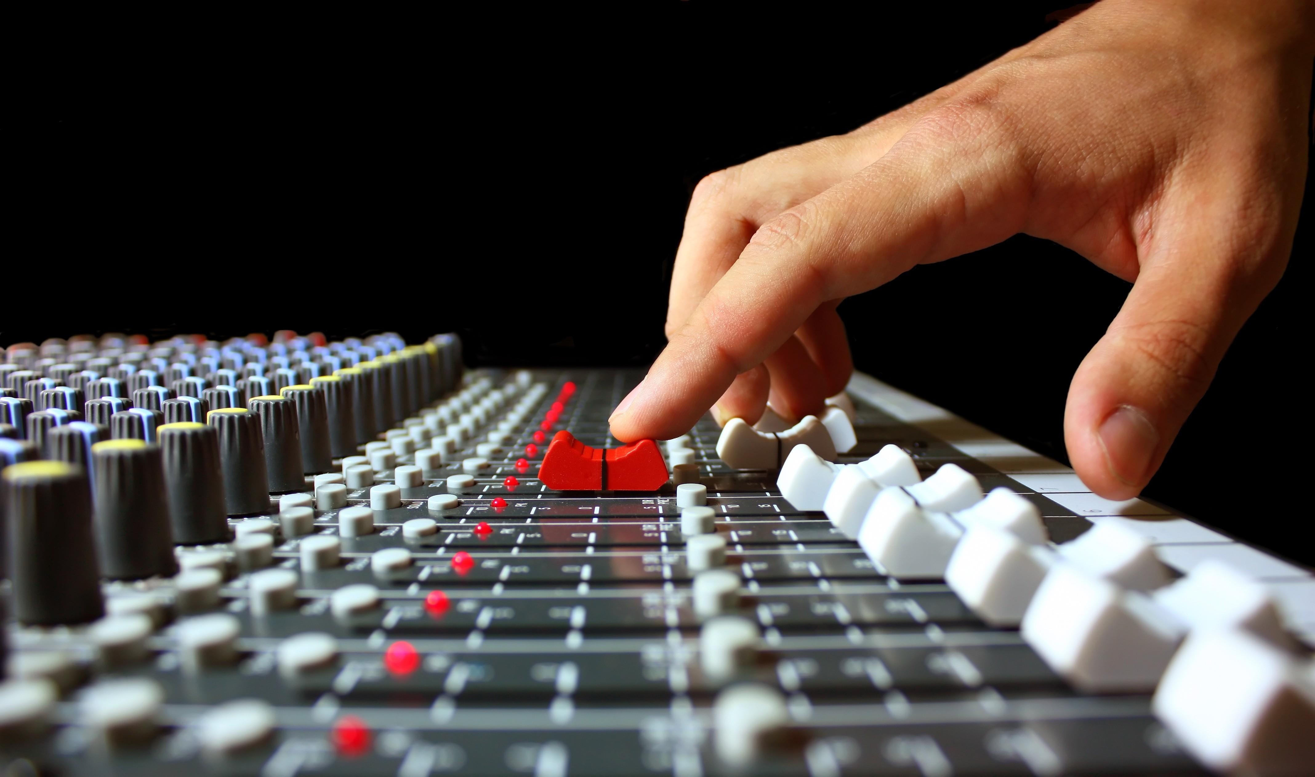 Újra lehet pályázni a rádiós műsorok támogatására