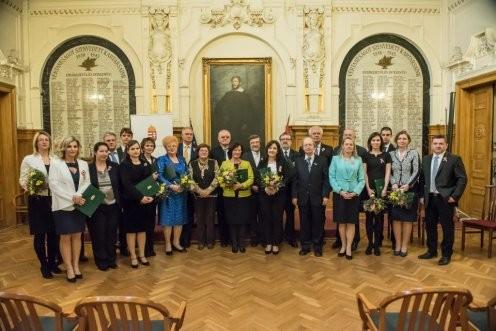 Rangos elismerésben részesült dr. Béli Gábor egyetemi docens