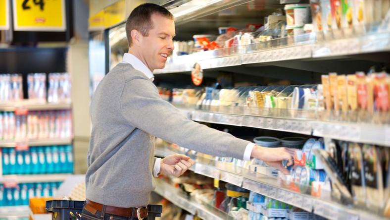 Több száz kiló egérrágta élelmiszert találtak Vásárosdombón