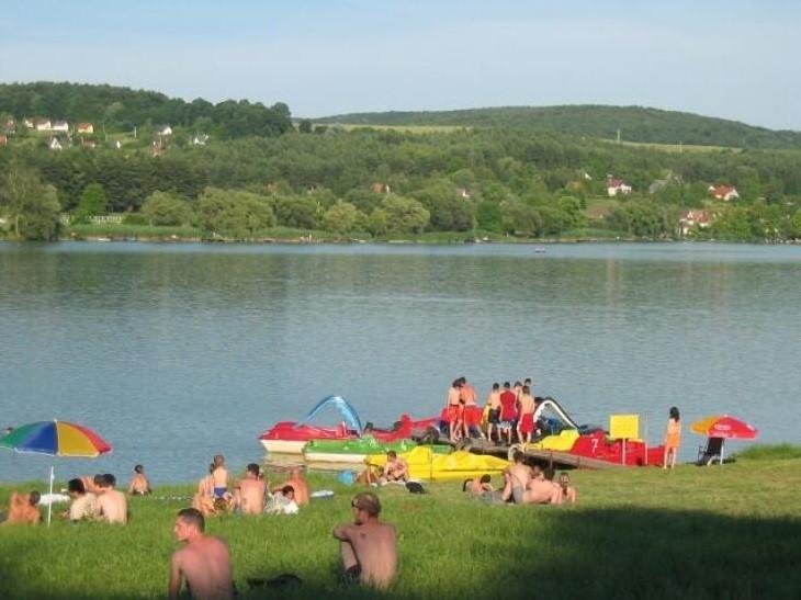 Idén nyáron is három baranyai tóban fürödhetünk majd