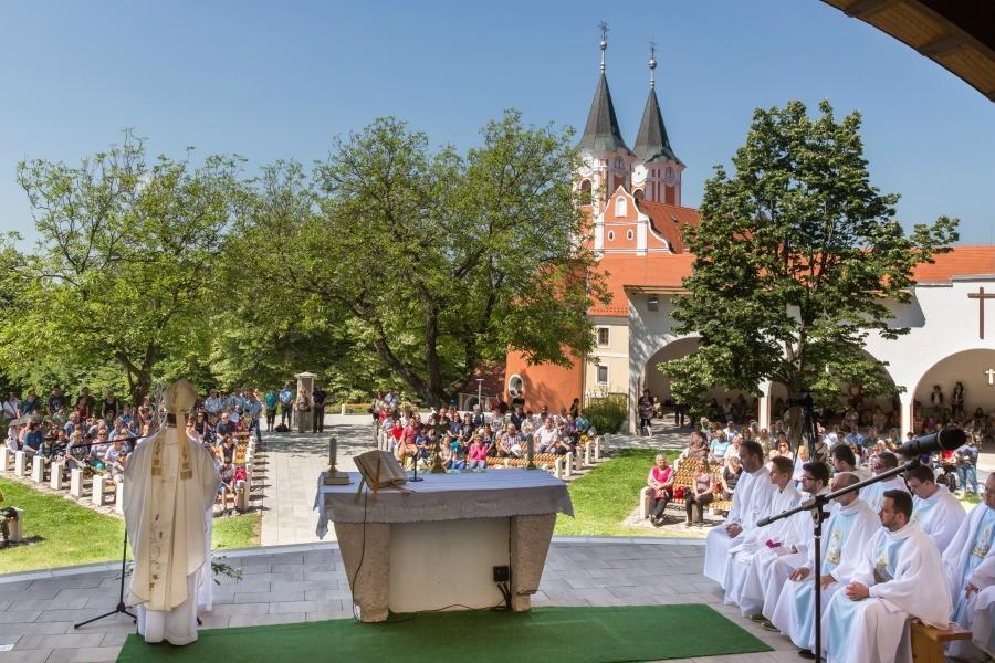 Több százan vettek részt az elsőáldozók találkozóján Máriagyűdön
