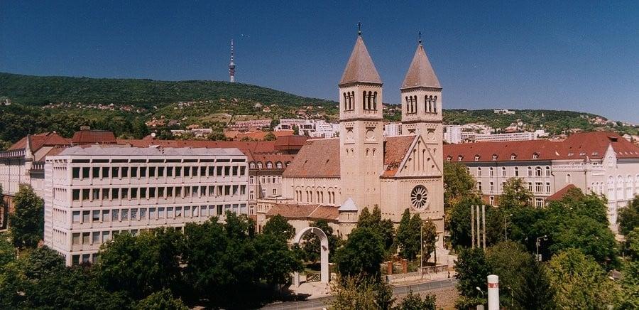 Földmegfigyelési konferenciát tartanak a Pécsi Tudományegyetemen