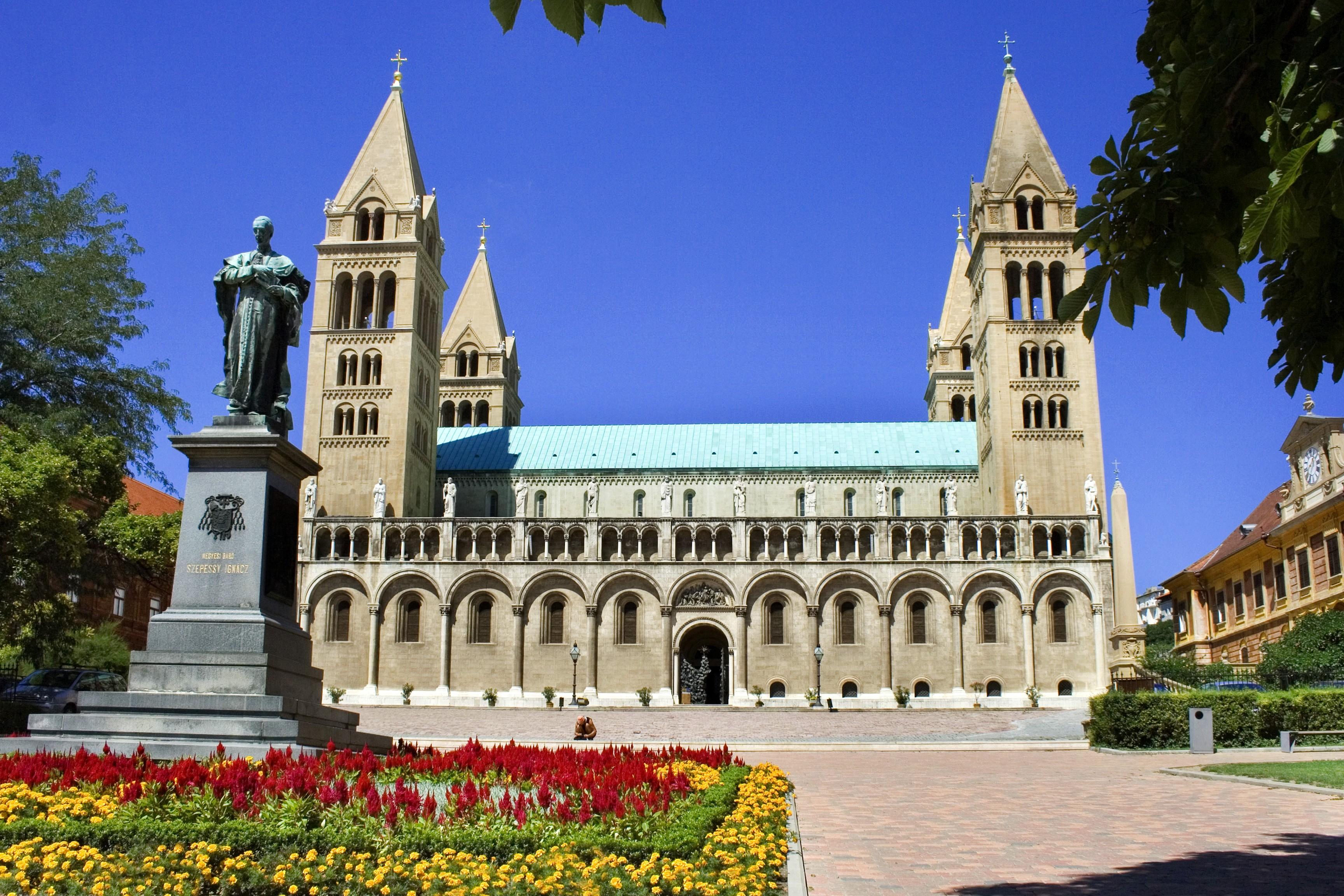 Különleges programokkal ünneplik a Pécsi Egyházmegye évfordulóját