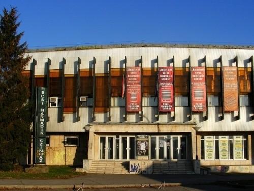Évadot hirdetett a Pécsi Harmadik Színház
