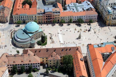 Több kulturális intézményt is összevont a pécsi önkormányzat