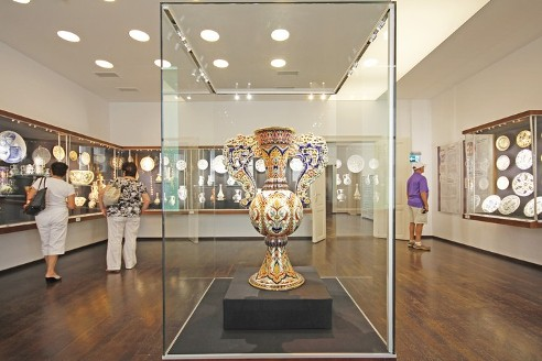 A Zsolnay aranykora - Gyugyi-gyűjtemény Pécsett