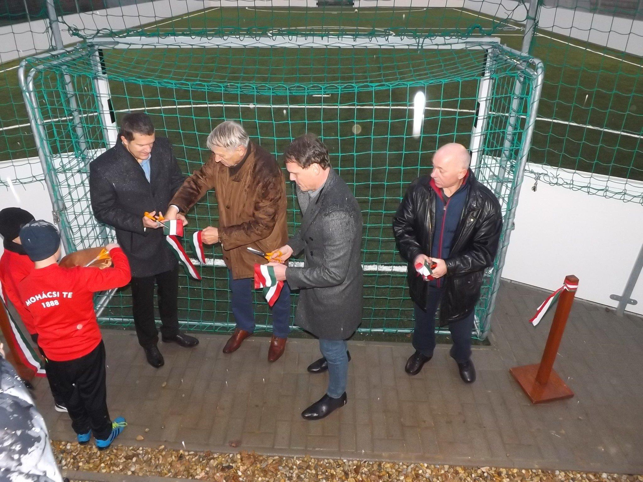 Új sportlétesítményt avattak Mohácson a Kórház utcában
