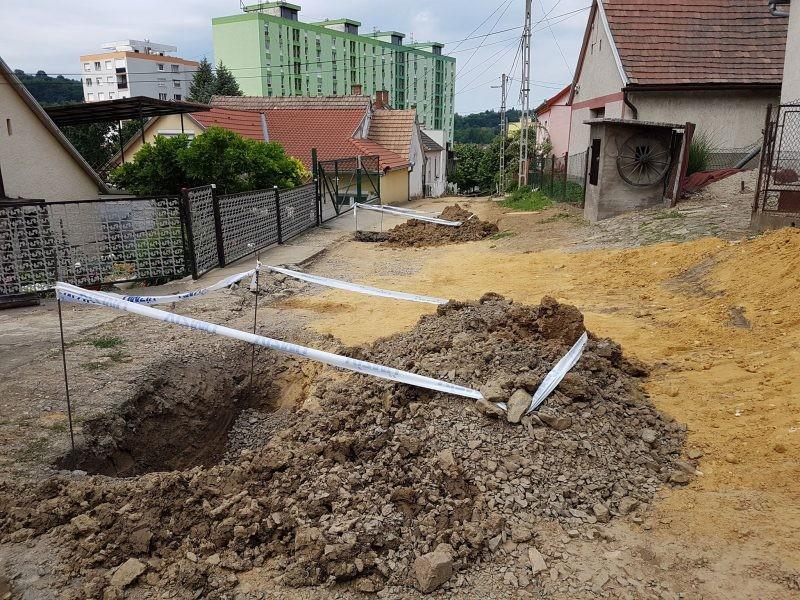 Jól halad a munka Komló szennyvízelvezetésén