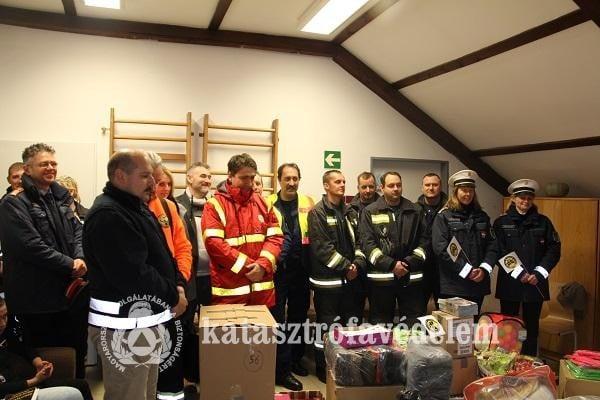 A Baranya Megyei Katasztrófavédelem is részt vett a Mikulás napi jótékonysági rendezvényen