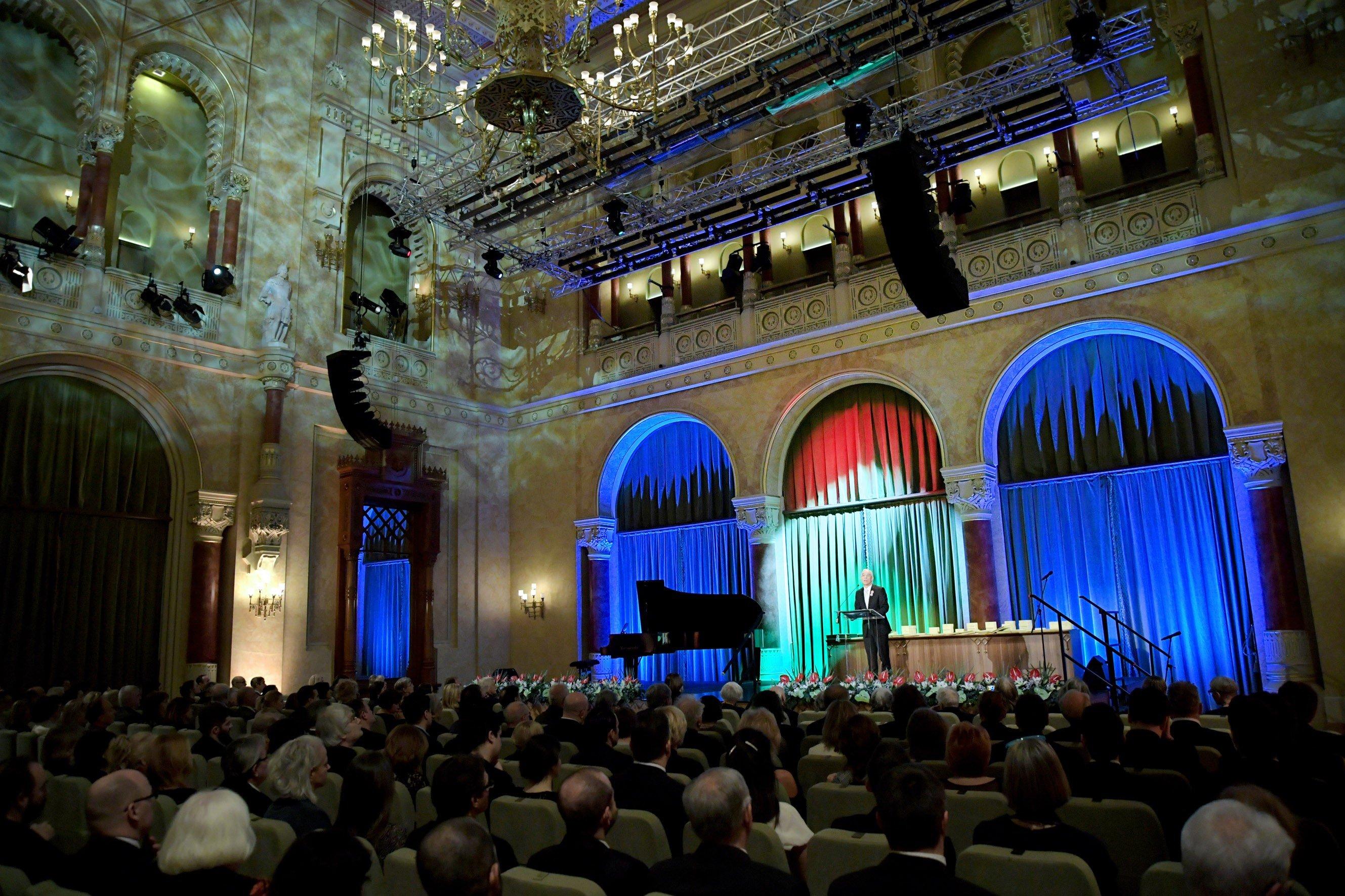 Balog Zoltán állami művészeti és miniszteri szakmai díjakat adott át