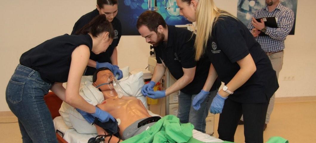 Taroltak a PTE hallgatói a leendő orvosok versenyén
