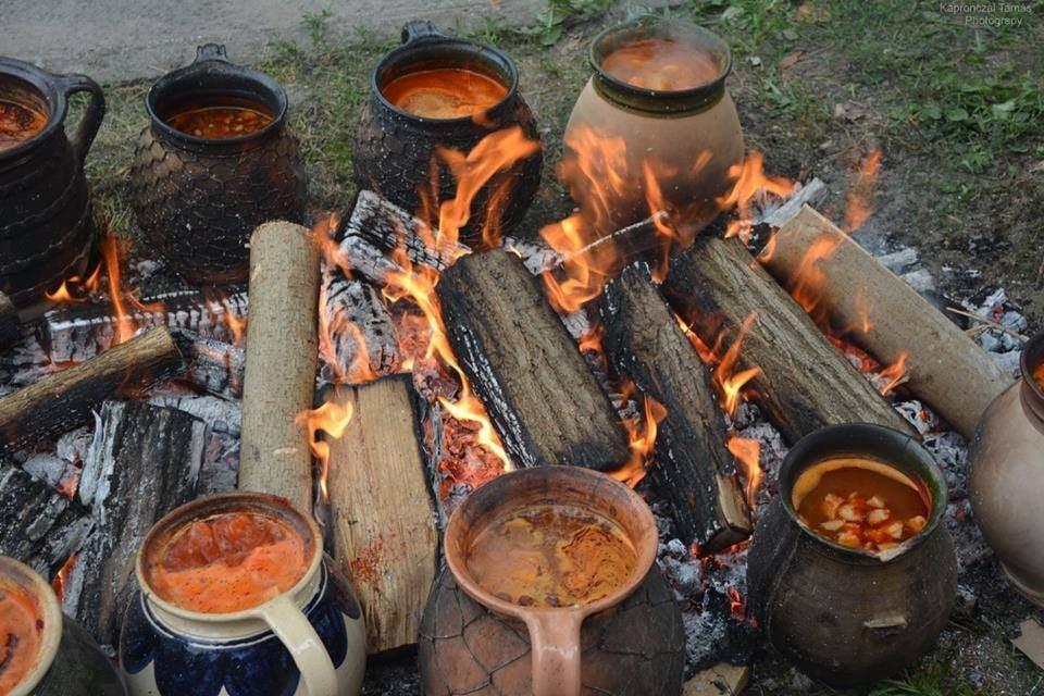 Hétvégén lesz a sokac babfőző fesztivál Mohácson