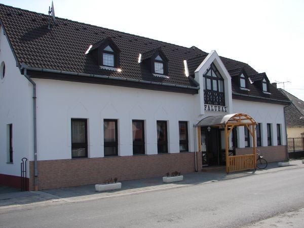 Energetikai felújítást kap Dinnyeberki polgármesteri hivatala