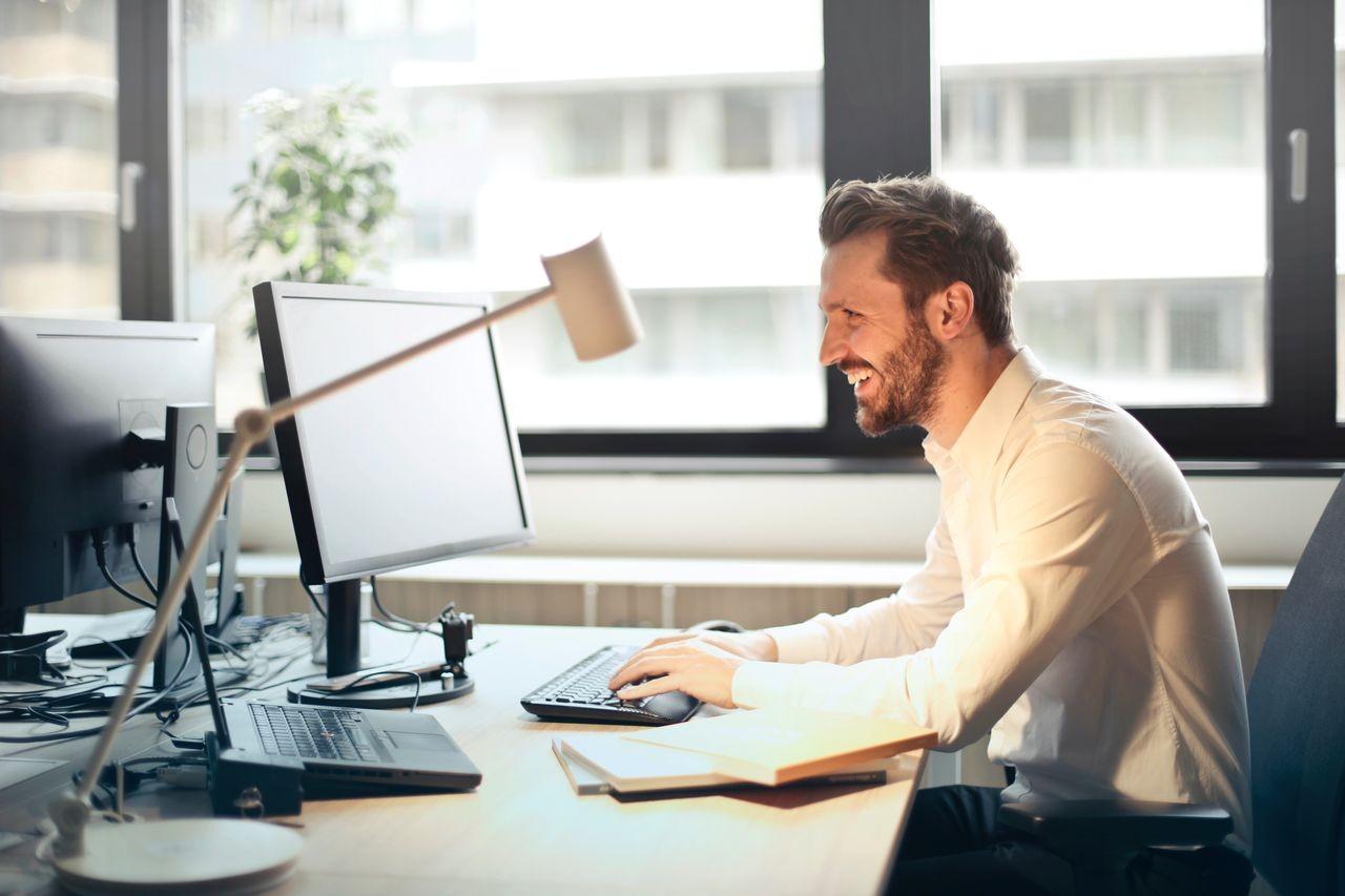 Magyar fejlesztés segíthet a munkahelyi szemkárosodás megelőzésében