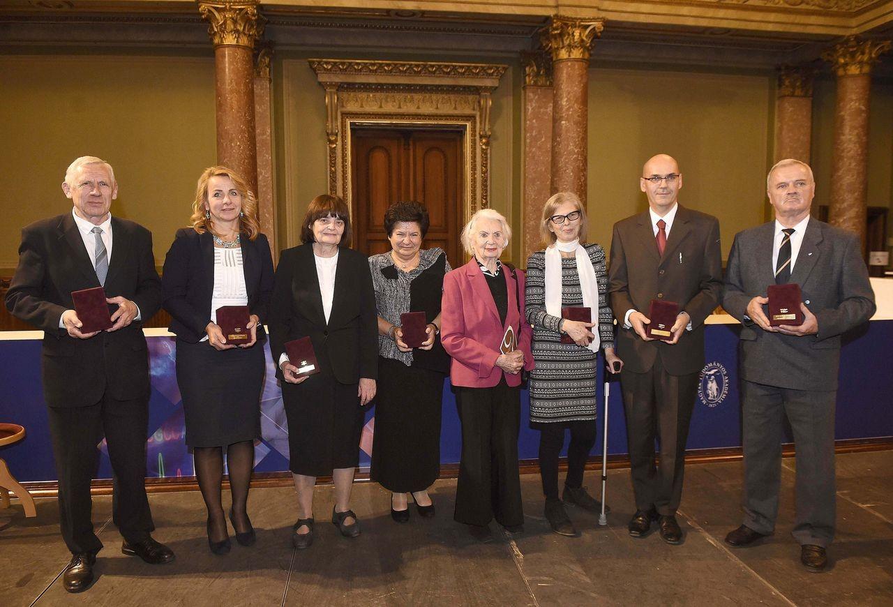 Két pécsi tanár is Rátz Tanár Úr Életműdíjat vehetett át a Magyar Tudományos Akadémián