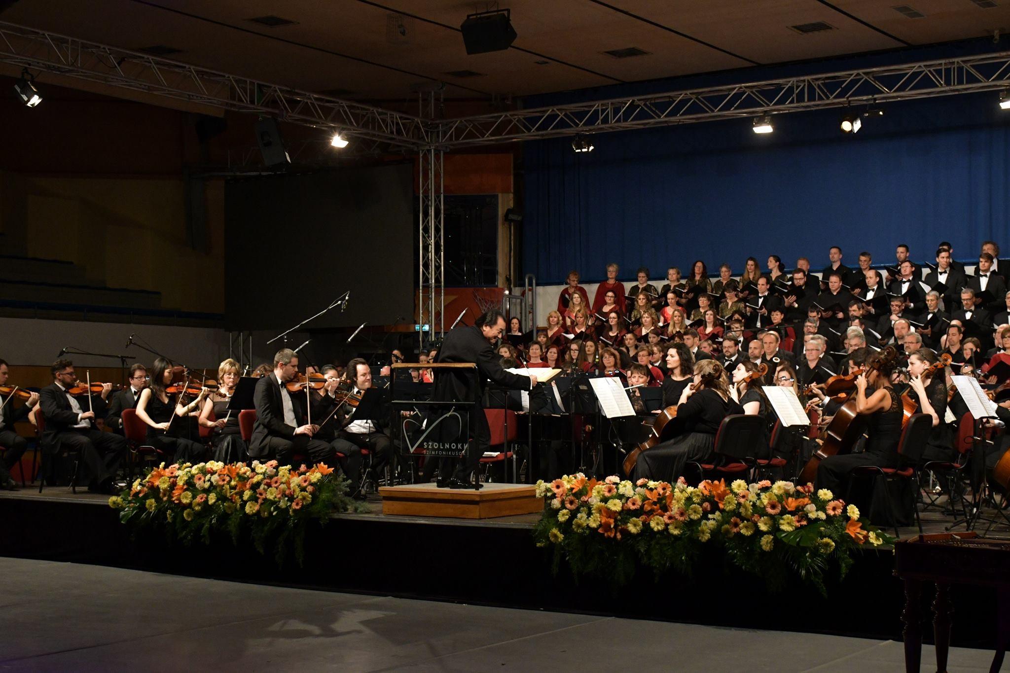 A Budavári Palotakoncertek műsorával köszöntik a pécsieket a szolnoki szimfonikusok