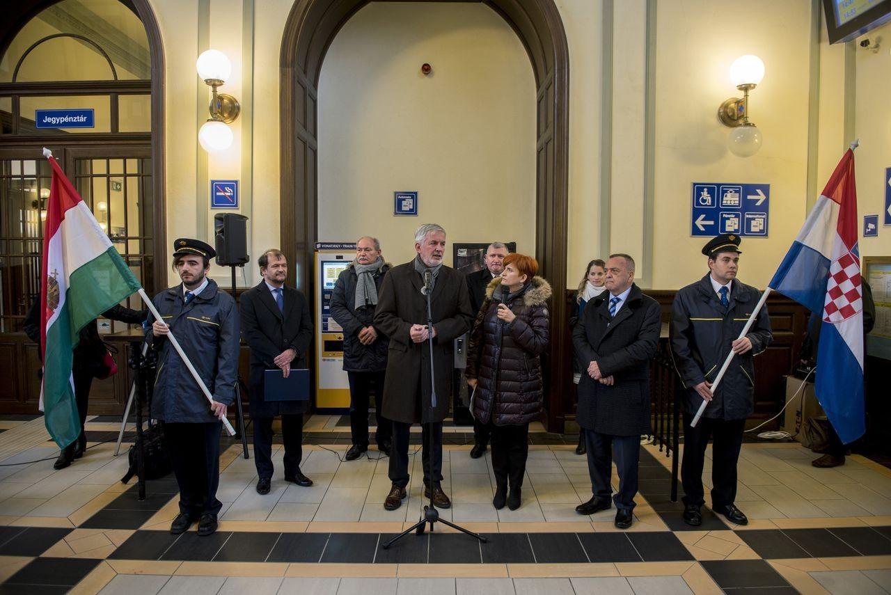 Bejelentették a Pécs-Pélmonostor-Eszék vasúti összeköttetés újraindulását