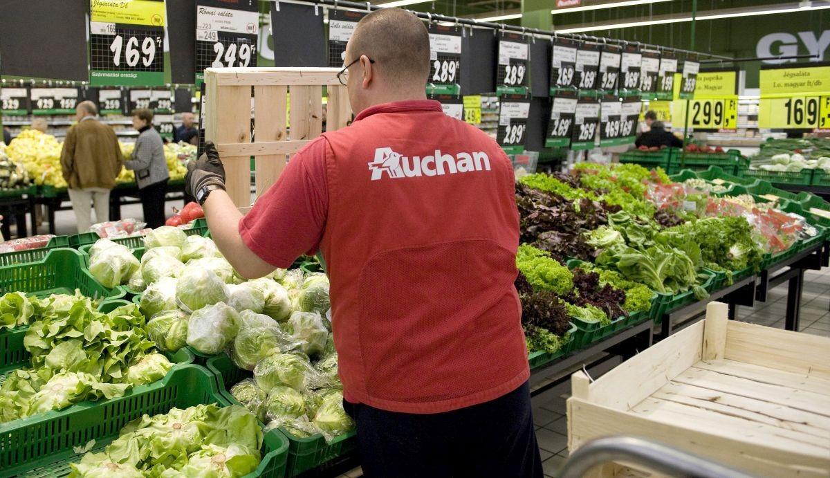 Jelentős béremeléseket jelentett be több áruházlánc
