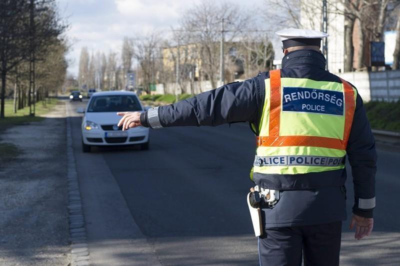 Újra emelték a hivatásos állományú rendőrök bérét