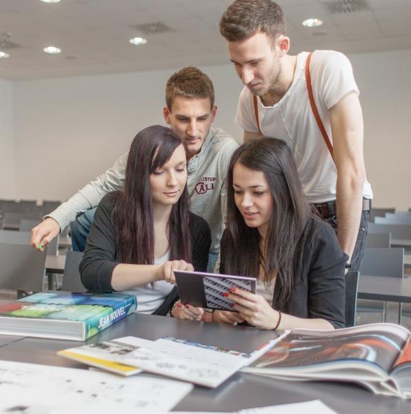 Új, hiánypótló képzés és virtuális valóság a PTE Műszaki és Informatikai Karán