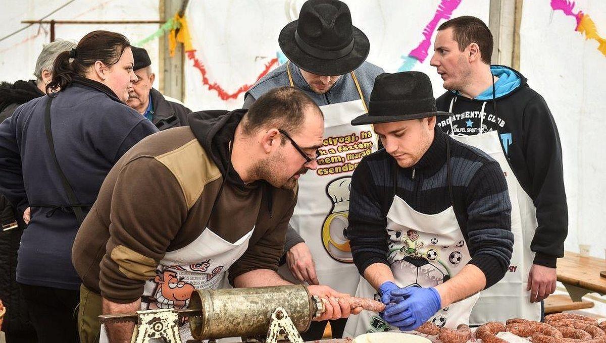 Idén is megrendezik a Kolbásztöltő Fesztivát Komlón
