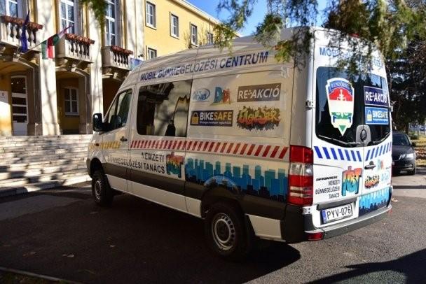 Különleges busz is segíti a bűnmegelőzést Baranyában