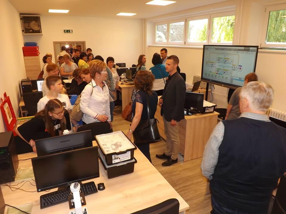 Átadták a mohácsi könyvtárban kialakított természettudományos élményközpontot
