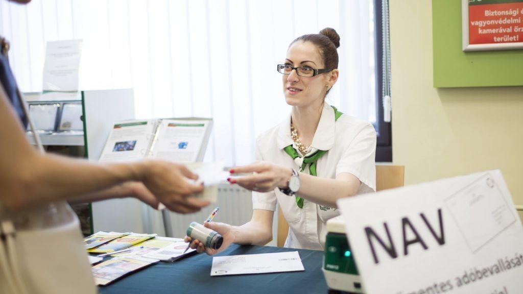 A plázákban nyújtanak segítséget a NAV szakemberei az szja-bevalláshoz