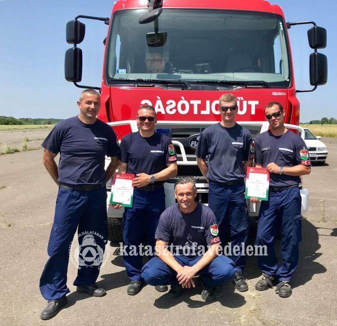 Pécsi tűzoltók a régió legjobb sofőrei