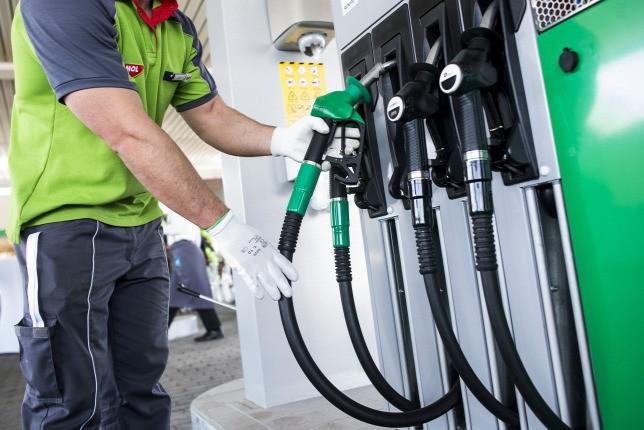 A versenyhivatal engedélyezte a Molnak öt benzinkút megvásárlását