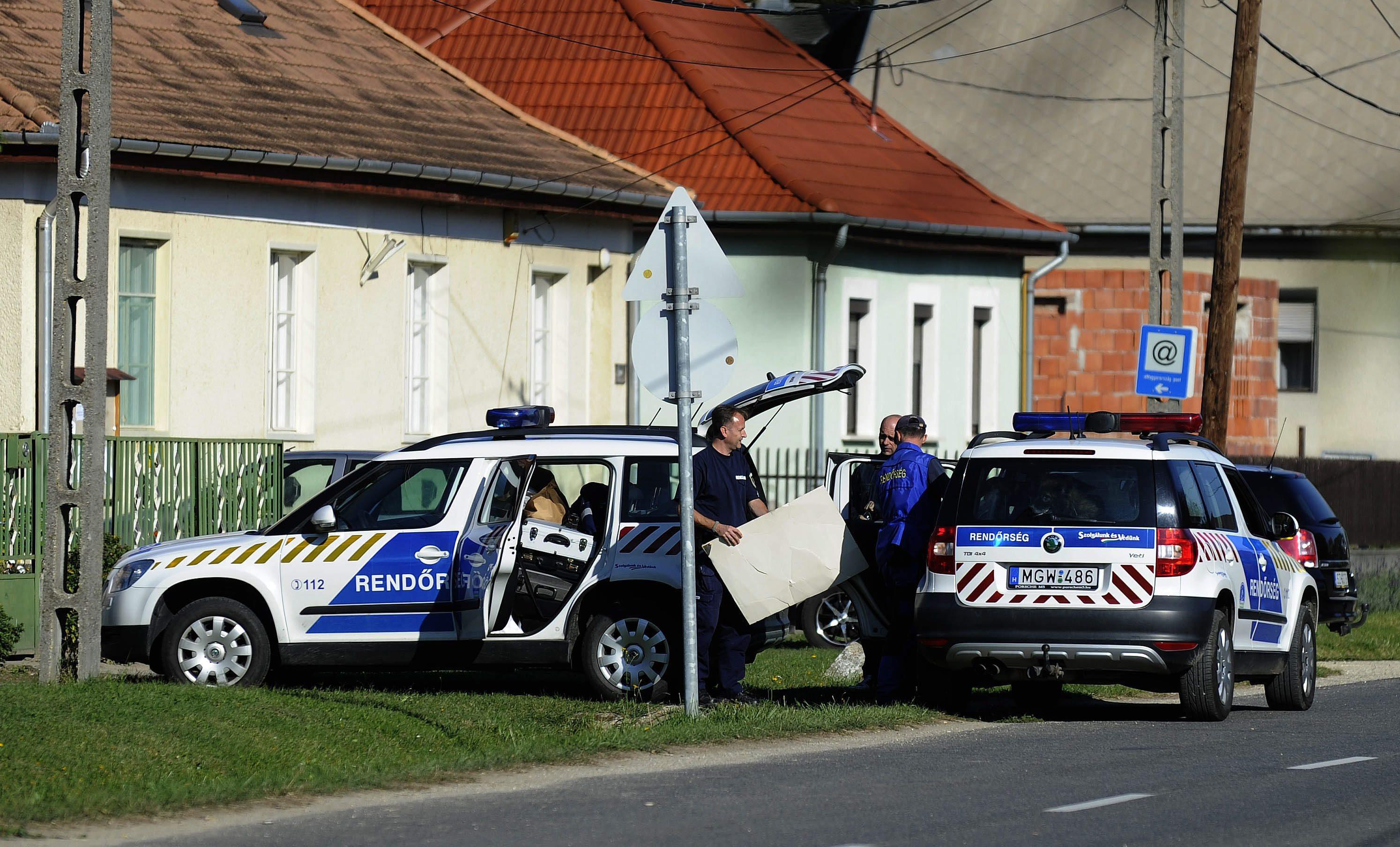 Menekülő lakásbetörőket fogott el a TEK Gyúrón és Tordason