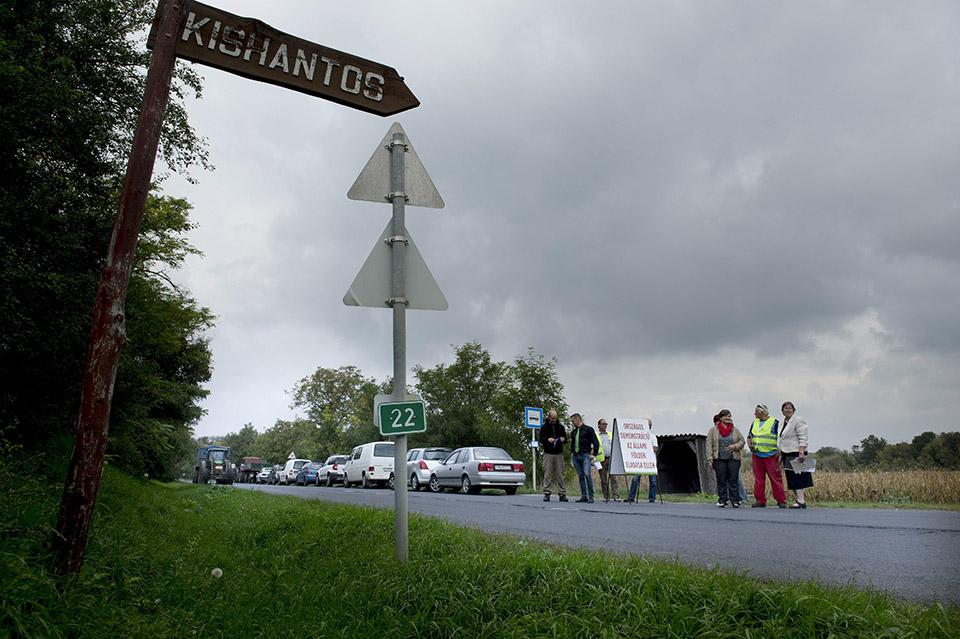 Az állami földek eladása ellen demonstráltak ellenzéki pártok a Kossuth téren