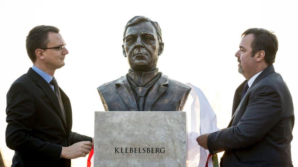 Klebelsberg Kunó-mellszobrot avattak Kápolnásnyéken