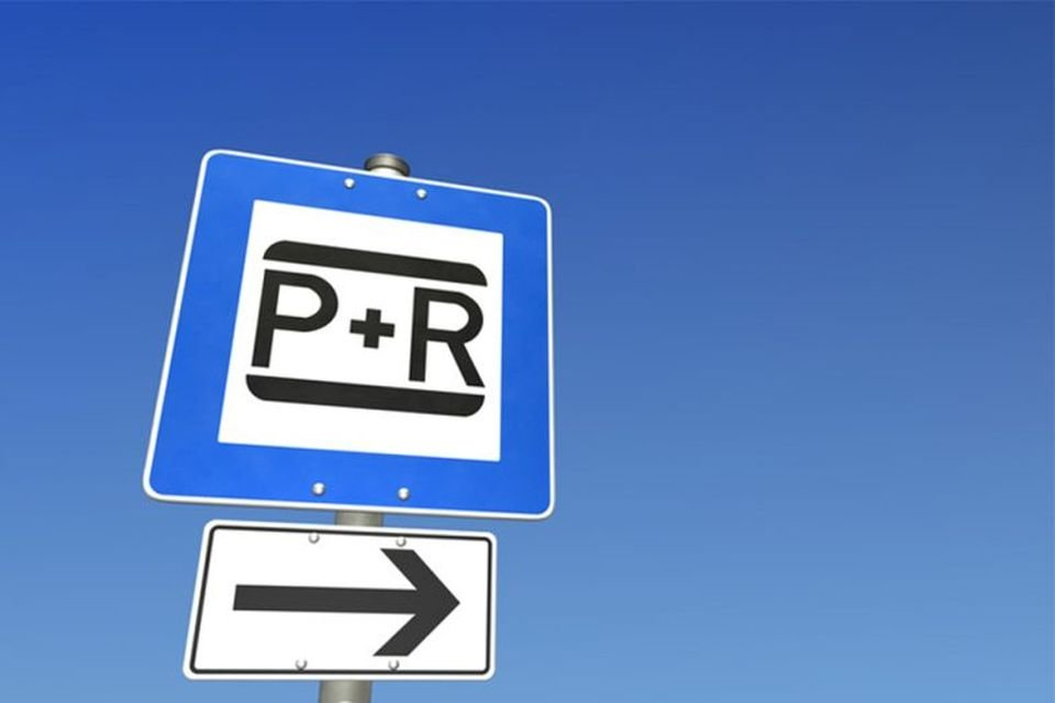 Csaknem 2500 új parkolóhely Budapest környéki településeknek