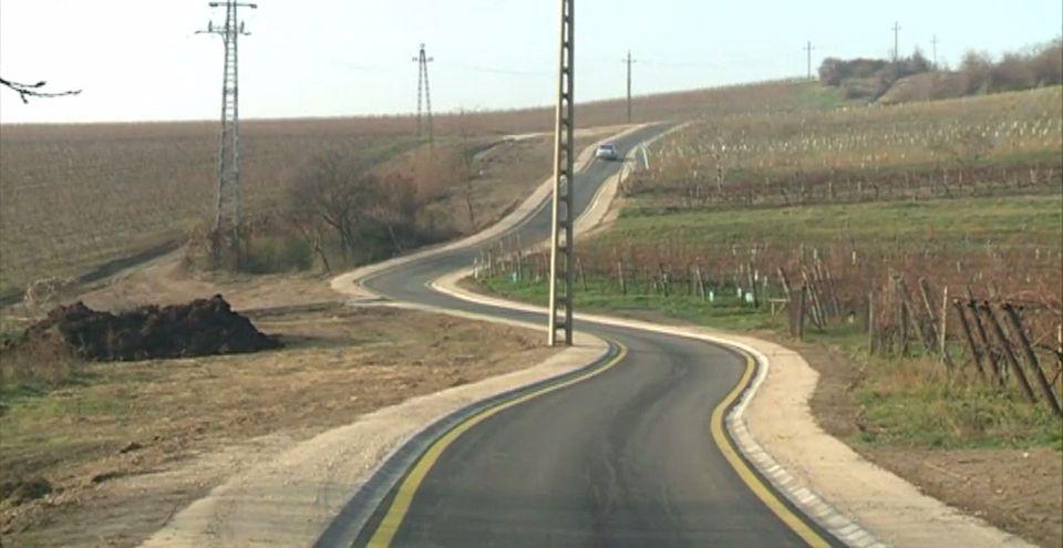 Több mint 11 kilométernyi kerékpárút épült Fejér megye hat településén