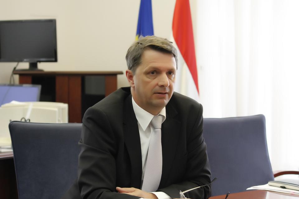 Cseresnyés Péter: Kedvezően változhatnak 2016-ban is a reálbérek.