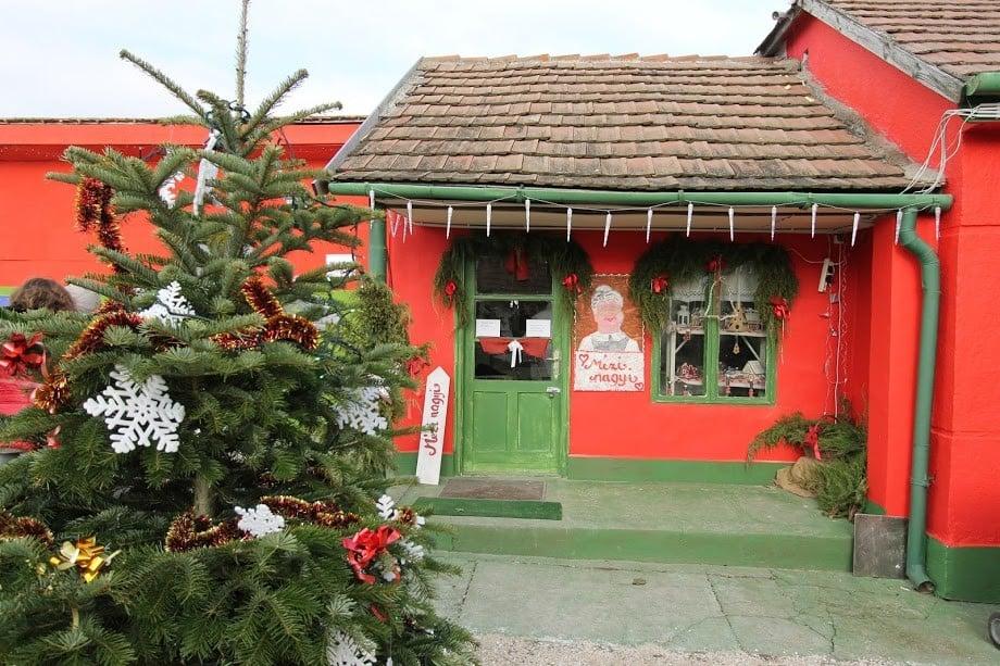 Kinyitotta kapuit a nagykarácsonyi Mikulásház