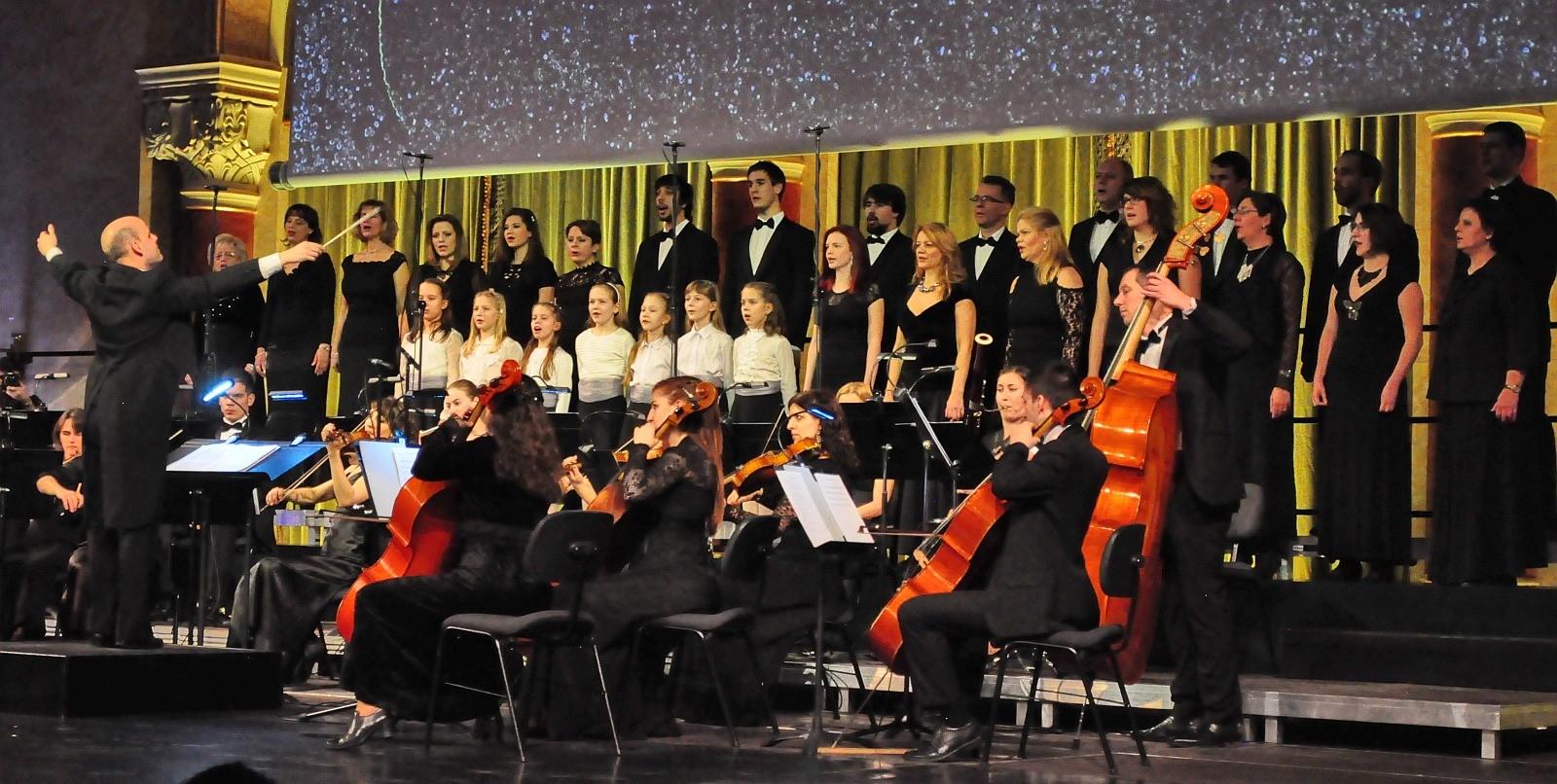 Virtuózokkal koncertezett a fehérvári kamarakórus