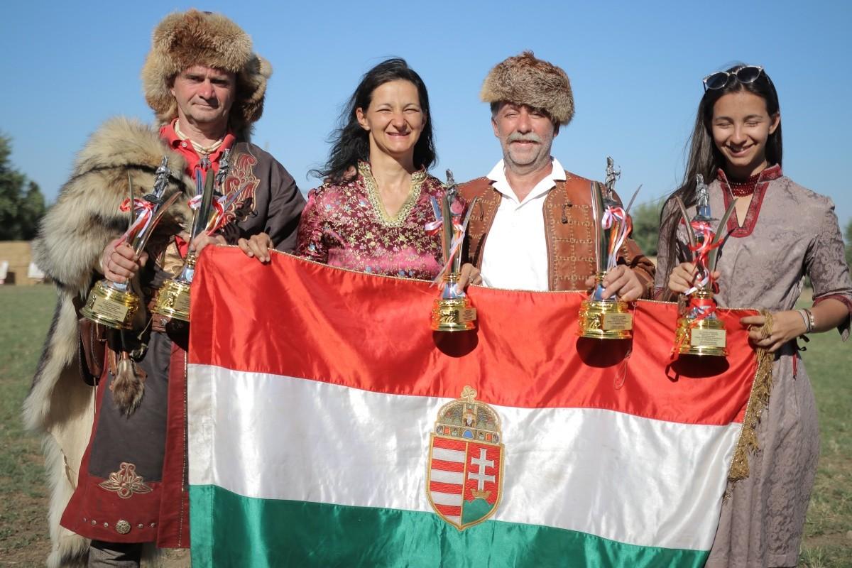 Törökországban remekeltek a dunaújvárosi íjászok
