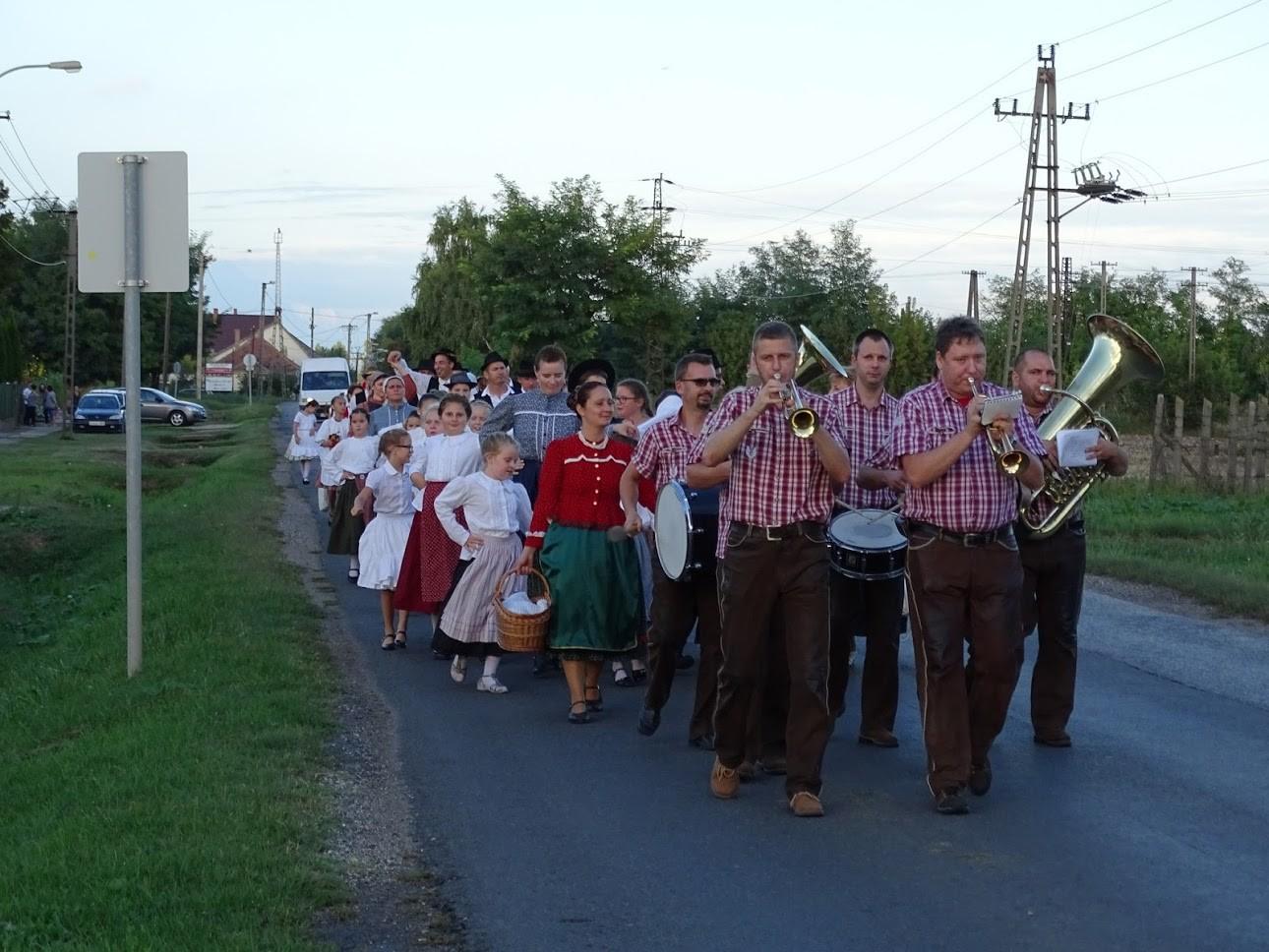 Szüreti felvonulással őrzik a hagyományokat Mezőfalván