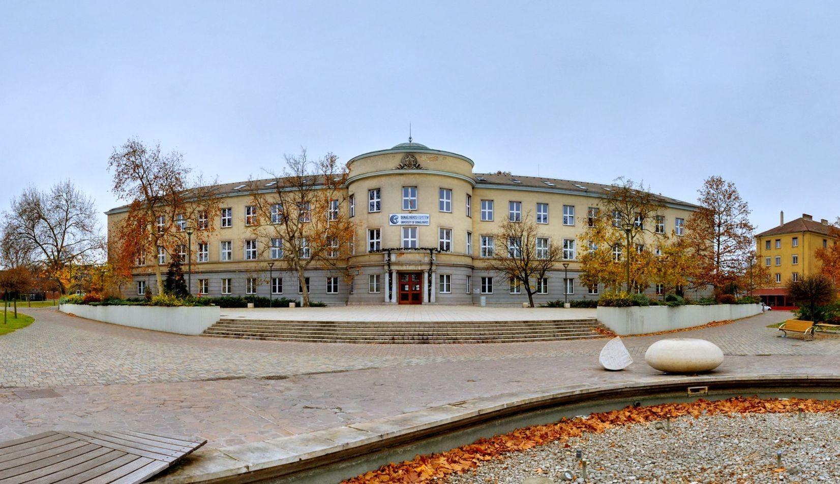 Informatikai laborral gazdagodott a Dunaújvárosi Egyetem