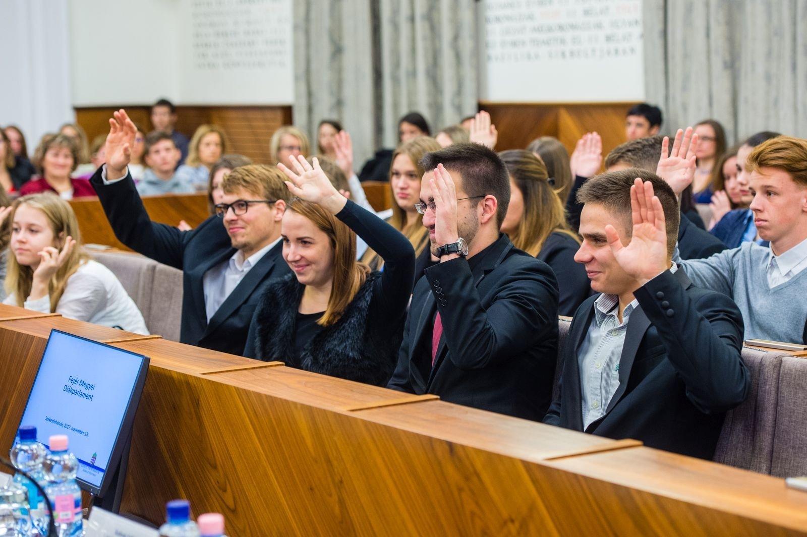 Székesfehérváron ülésezett a Fejér Megyei Diákparlament