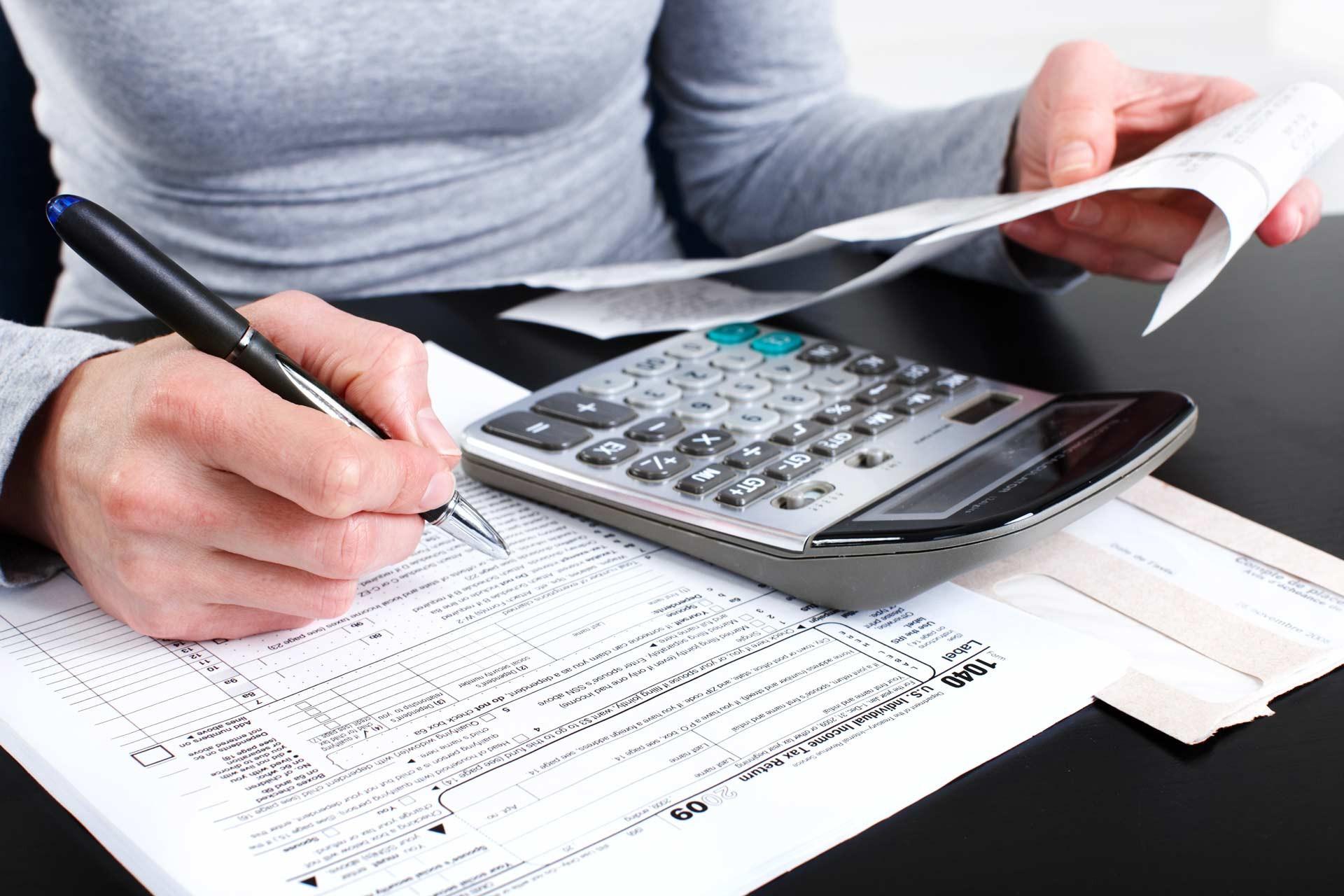 A kisvállalati adó alkalmazásáról tájékoztat 70 ezer céget a NAV