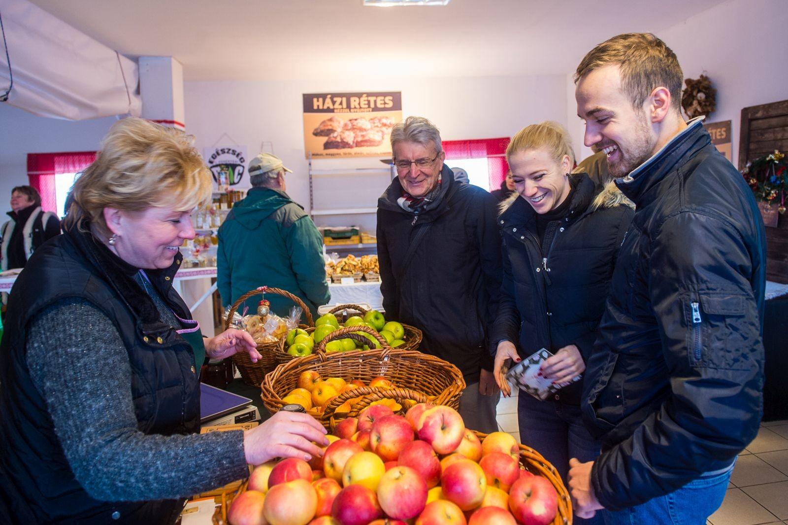 Új csarnokba költözik a Jancsárkert termelői és biopiac Fehérváron