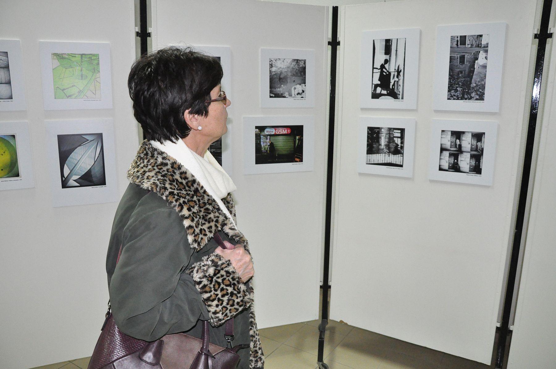 Mobillal másképp - megnyílt a MobilArt alkotócsoport kiállítása Fehérváron