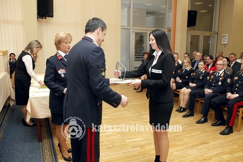 Elismerésben részesült a Magyar Vöröskereszt Fejér Megyei Szervezetének igazgatója