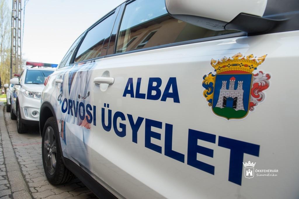 Három új gépkocsit kapott a székesfehérvári központi orvosi ügyelet