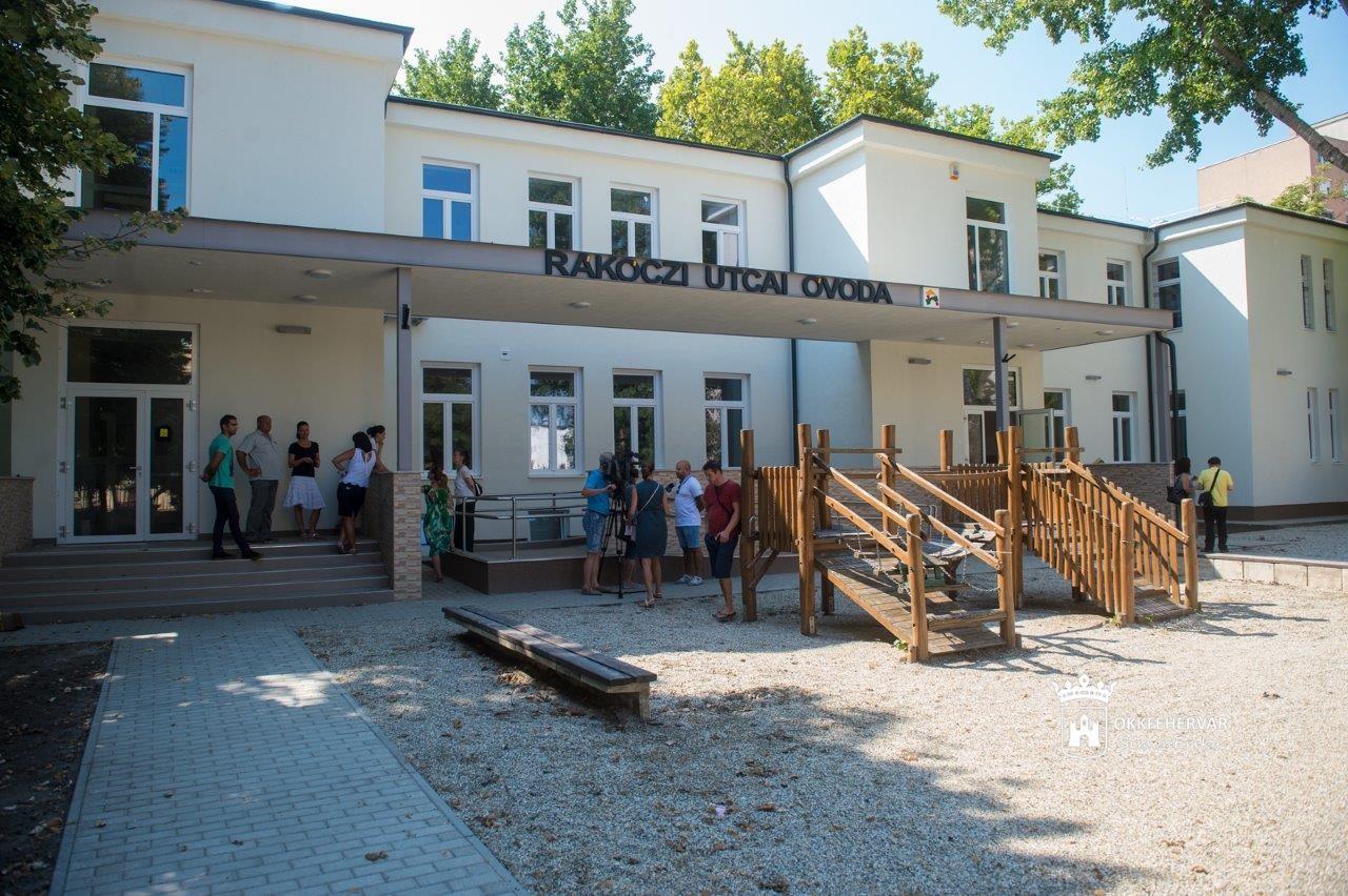 Közel 400 millió forintból újult meg a székesfehérvári Rákóczi utcai Óvoda épülete és udvara