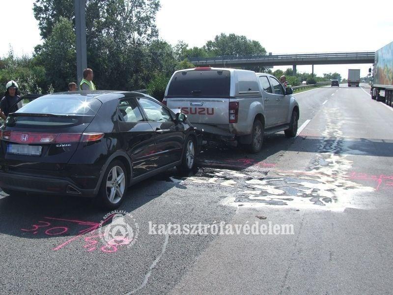 Ráfutásos baleset volt az M7-esen Székesfehérvárnál